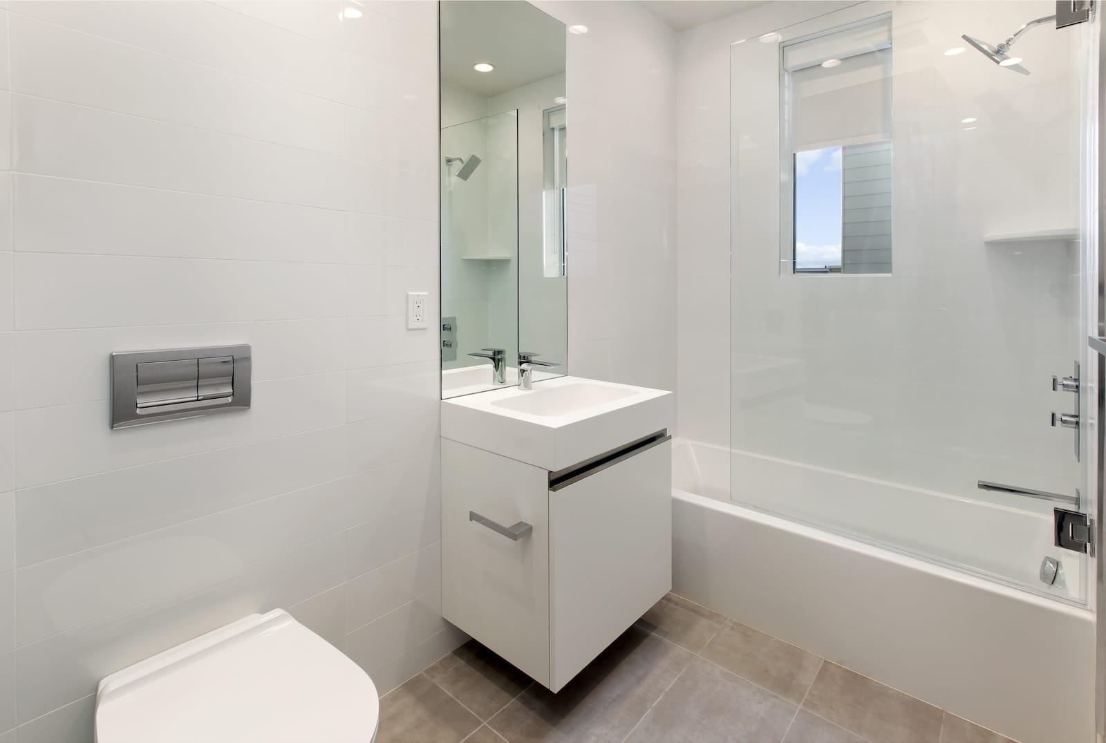 606Capp1 Bath1